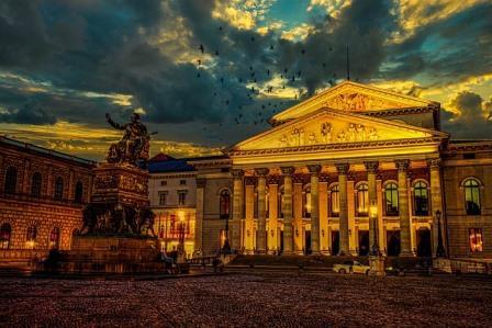 Bayerische Staatsoper spielt wieder vor vollem Haus